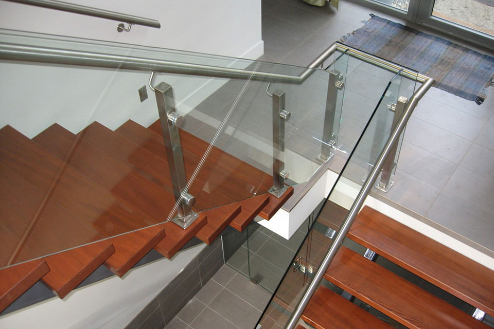 Frameless Glass with Stainless Glass Hand Railings